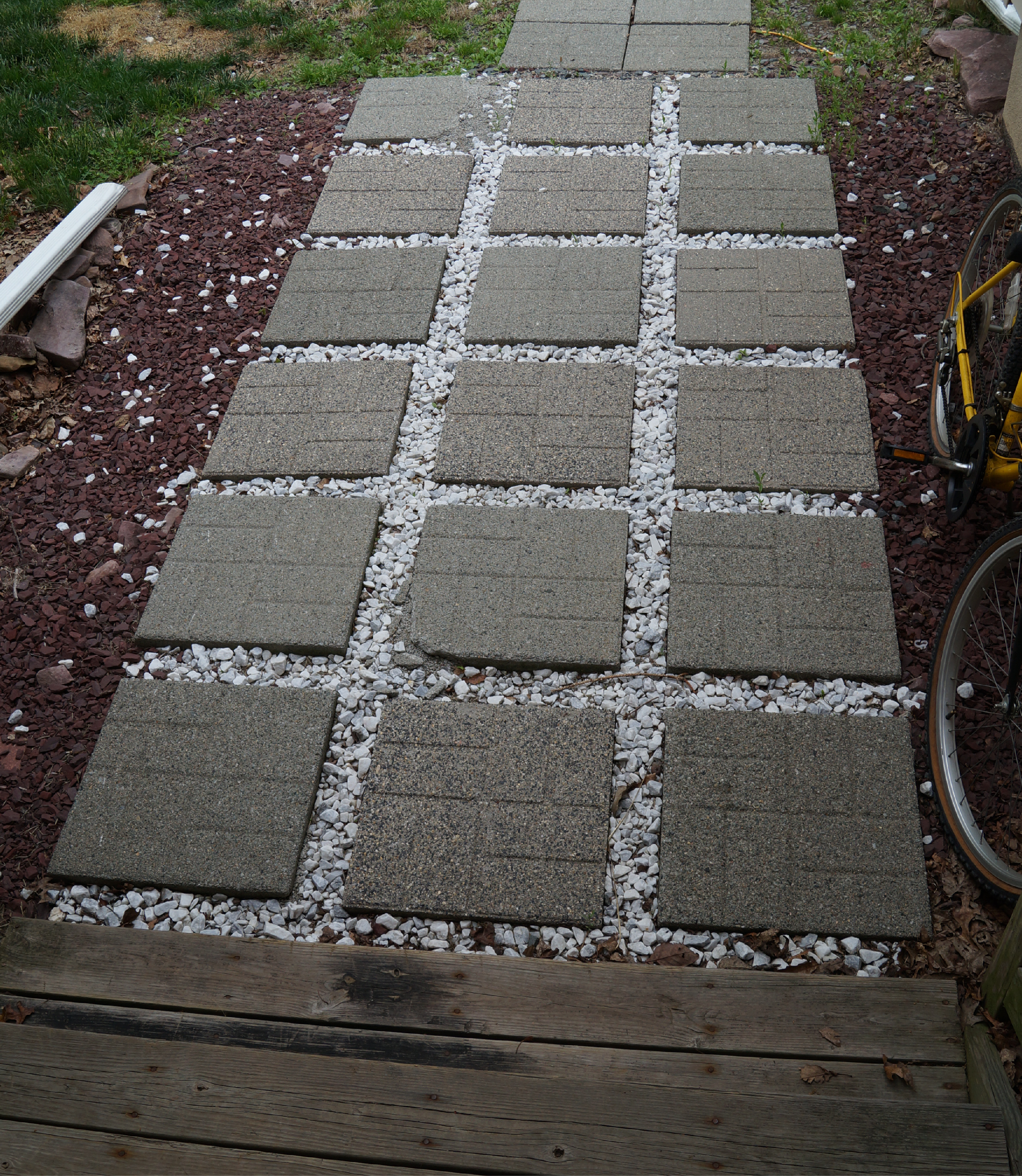 Decorate The Patio Using Concrete Stepping Stones