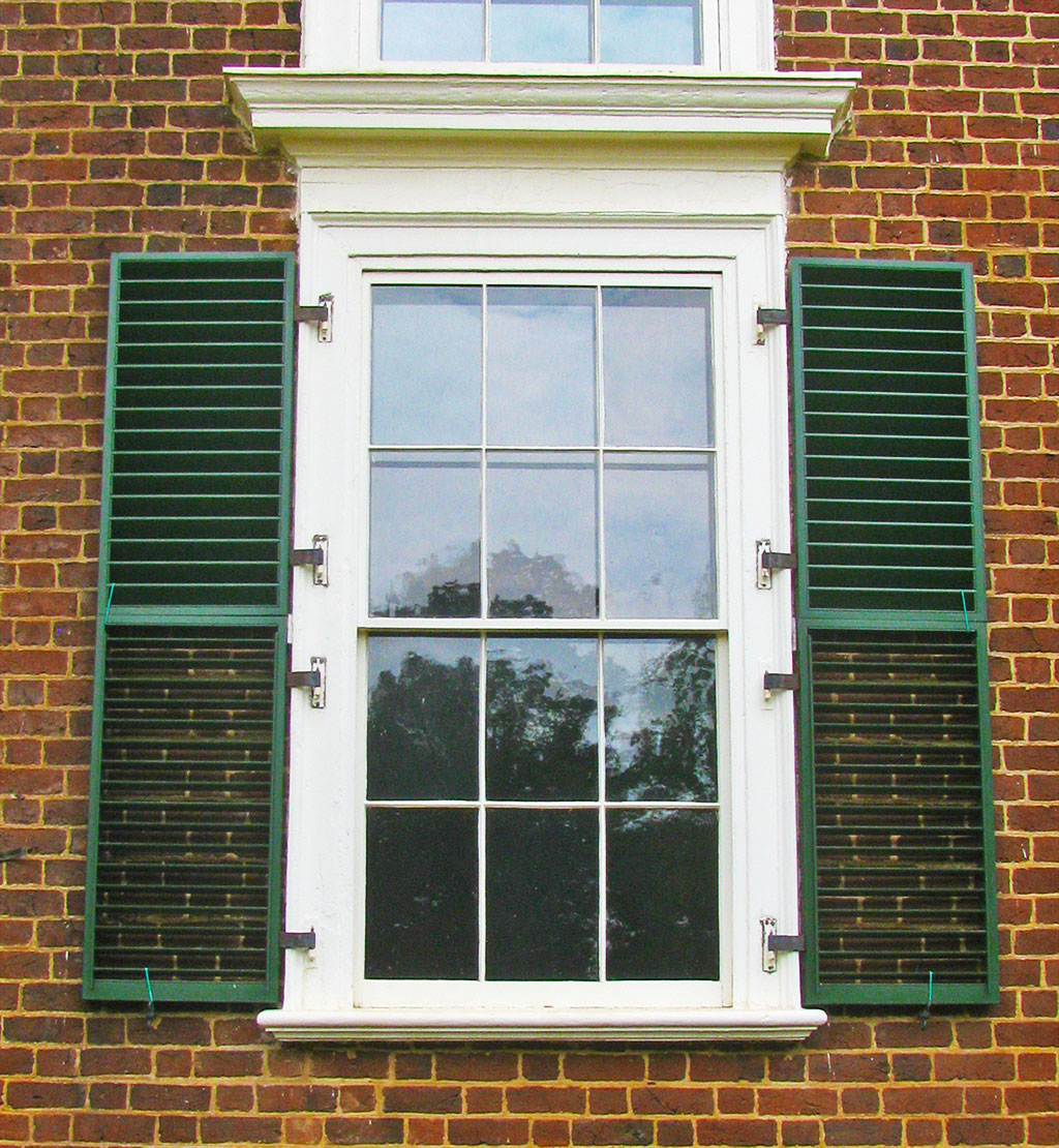 Design your home with exterior window shutters carehomedecor for Exterior window design