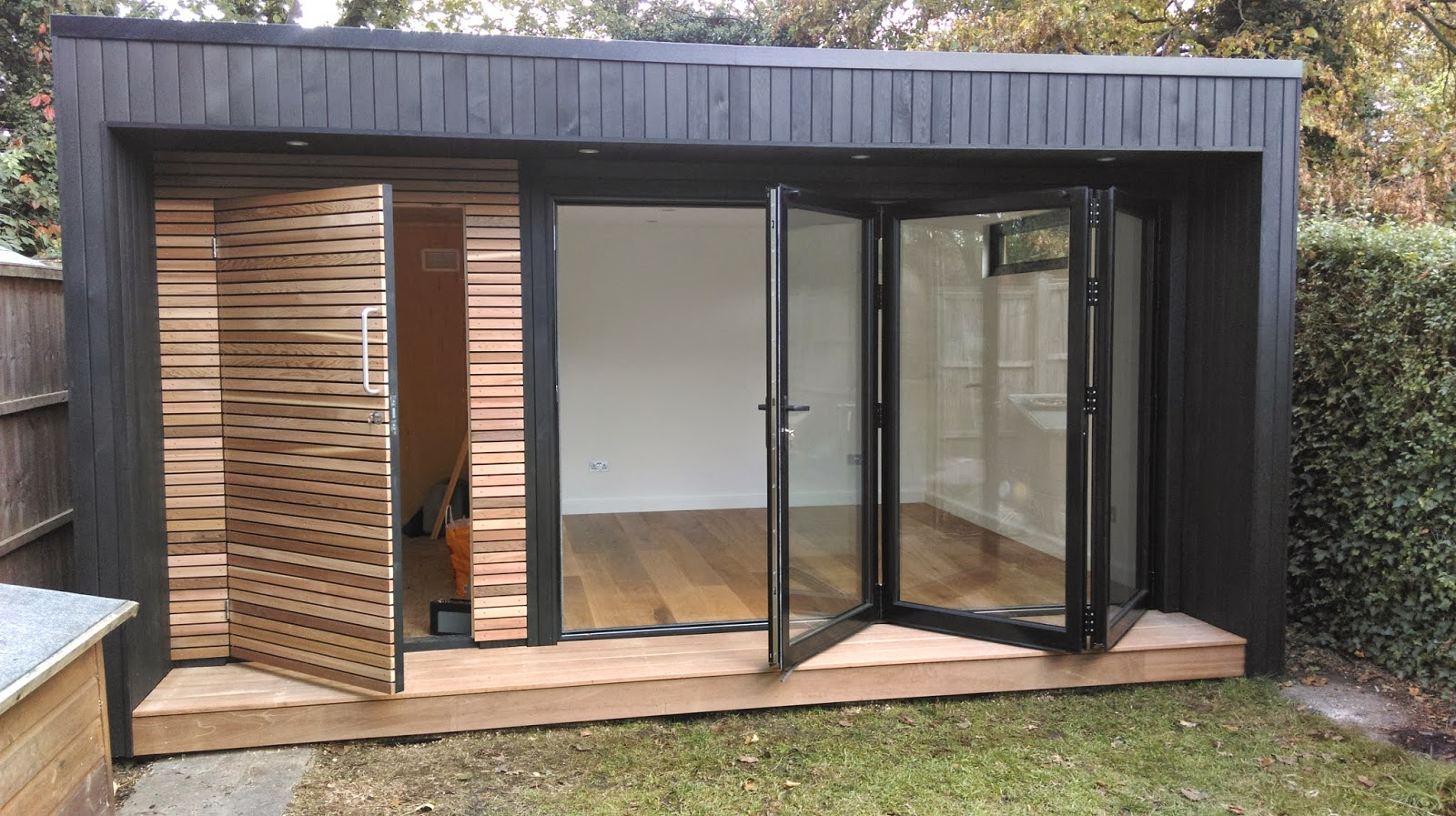 Design the perfect garden offices in your garden for Garden office ideas uk