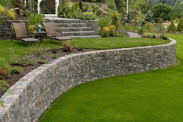 Garden Wall Ideas garden walls google search Using These Garden Wall Ideas You Make Your Garden More Colorful And Change Your Mood When You Are A Free To Garden Is The Most Suitable Place For You