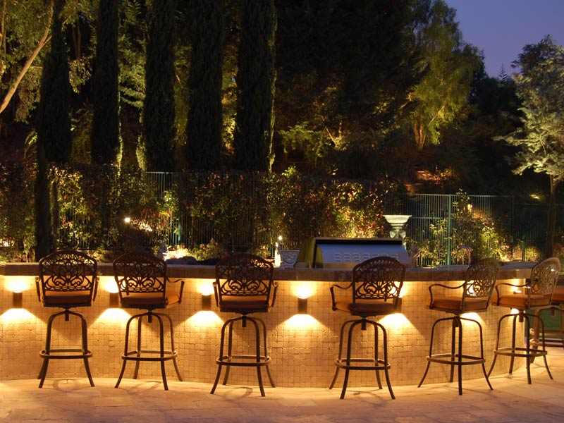 Get elegant outdoor lighting ideas for your garden carehomedecor mozeypictures Image collections