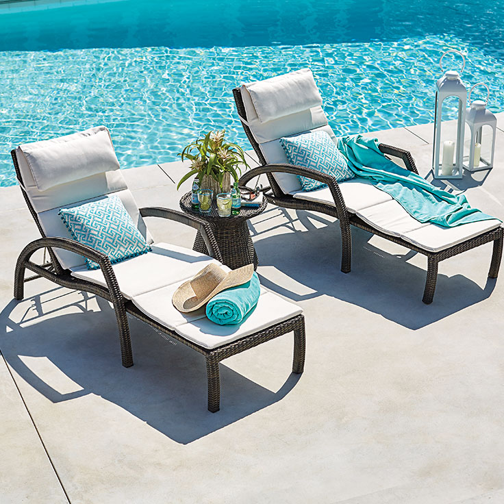 Types of pool furniture to intensify your pool s beauty for Best poolside furniture