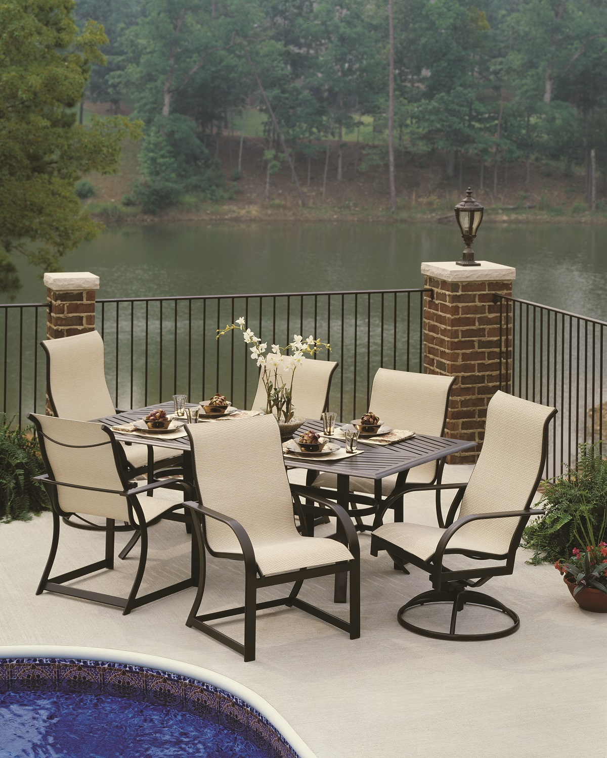 Make your outdoor and indoor beautiful with winston patio for Winston outdoor furniture