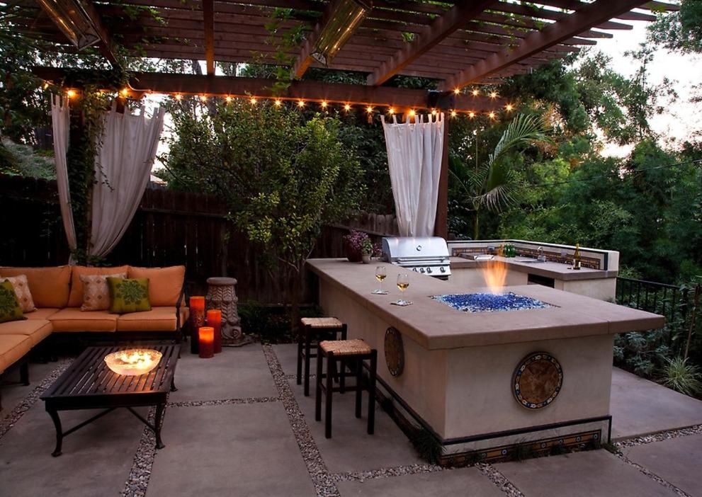 Backyard Kitchen  95