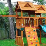 Refreshing Backyard Playground for your kids