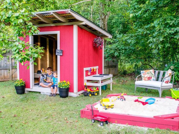 backyard playhouse  06