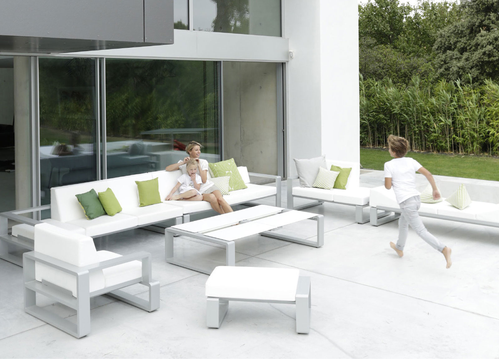Contemporary Garden Furniture  55