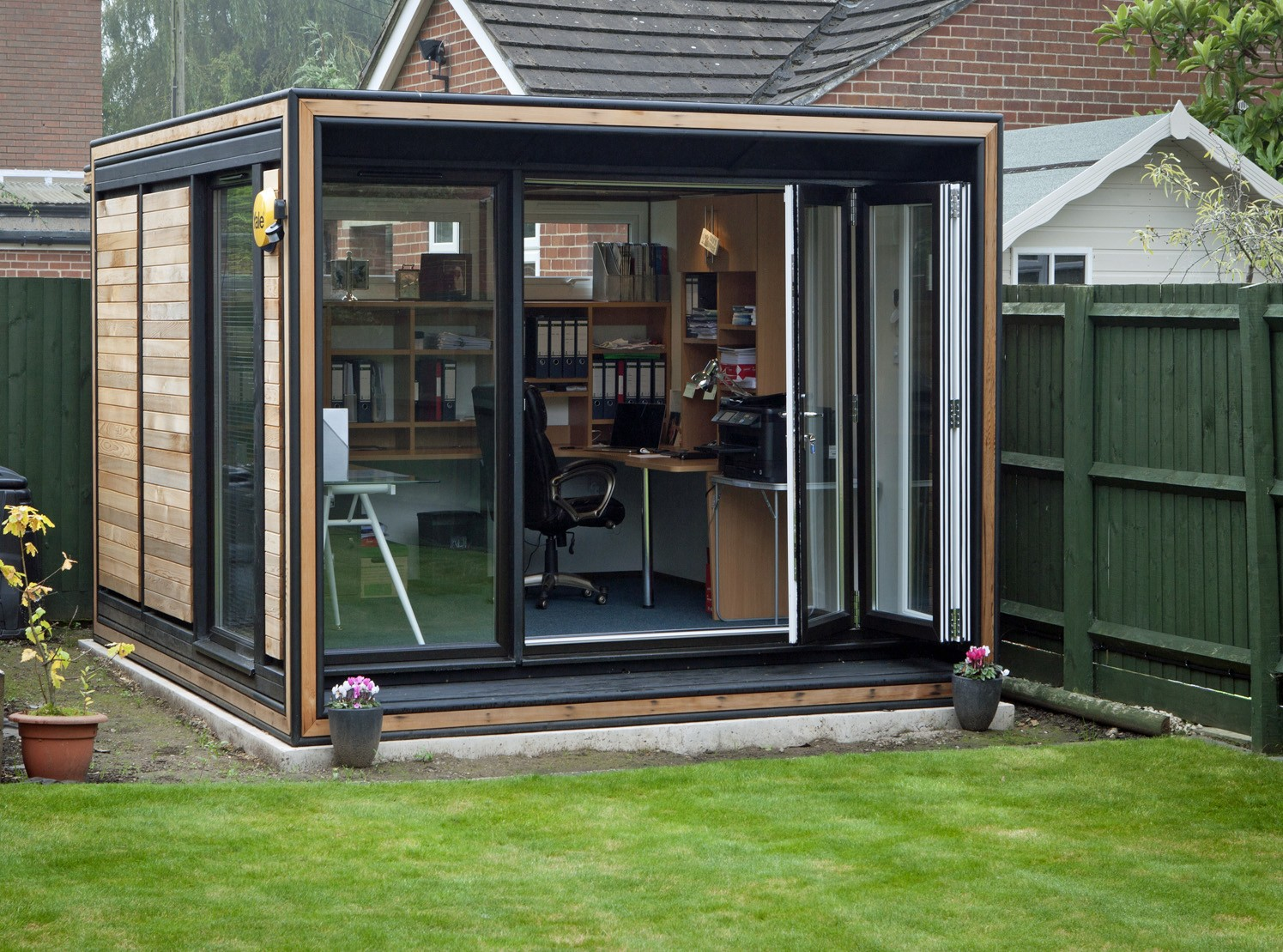 garden offices 81