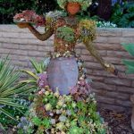 Decorate your garden with impressive garden sculpture designs