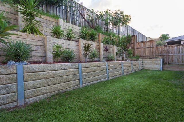 garden wall ideas  96