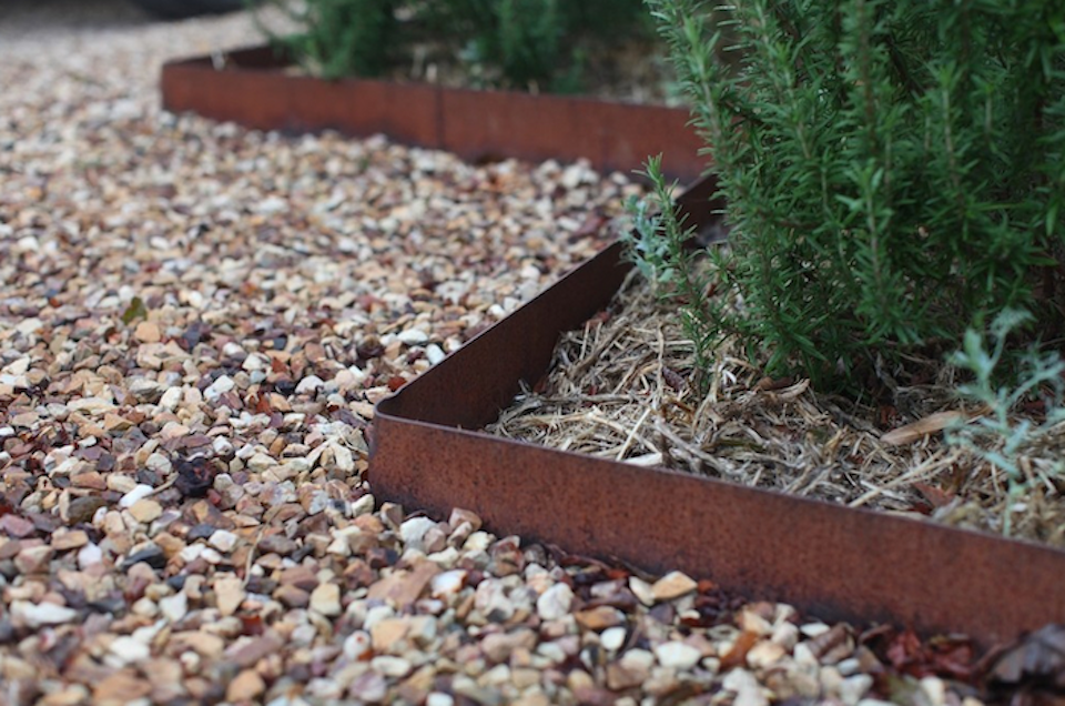 Metal landscape edging  60