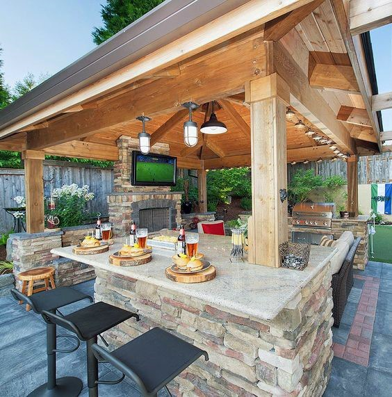 Celebrate your day in luxurious outdoor bars