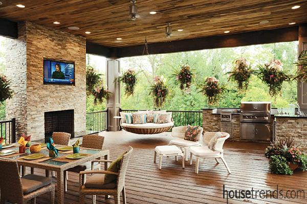 outdoor living spaces  47