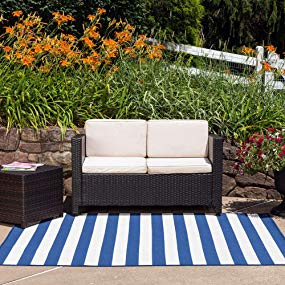 How to pick the best outdoor patio rug