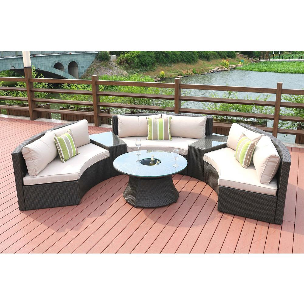 Selecting stylish outdoor sectional furniture