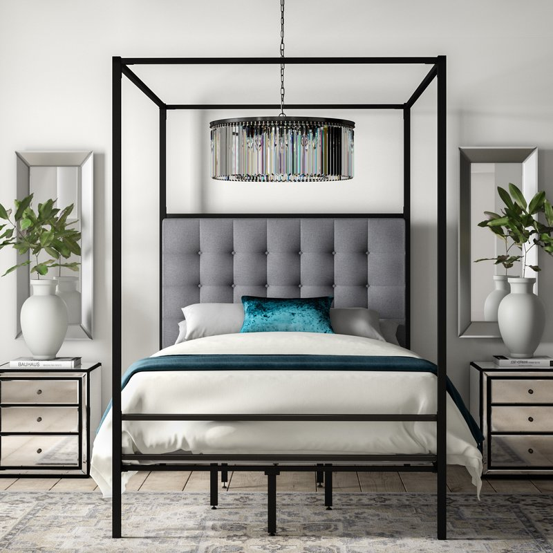 queen canopy bed  82