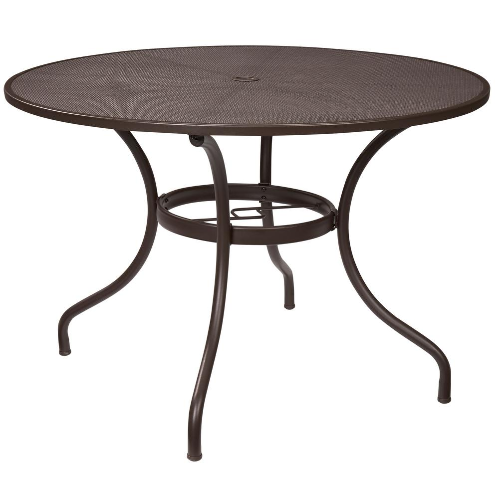 round outdoor table  37