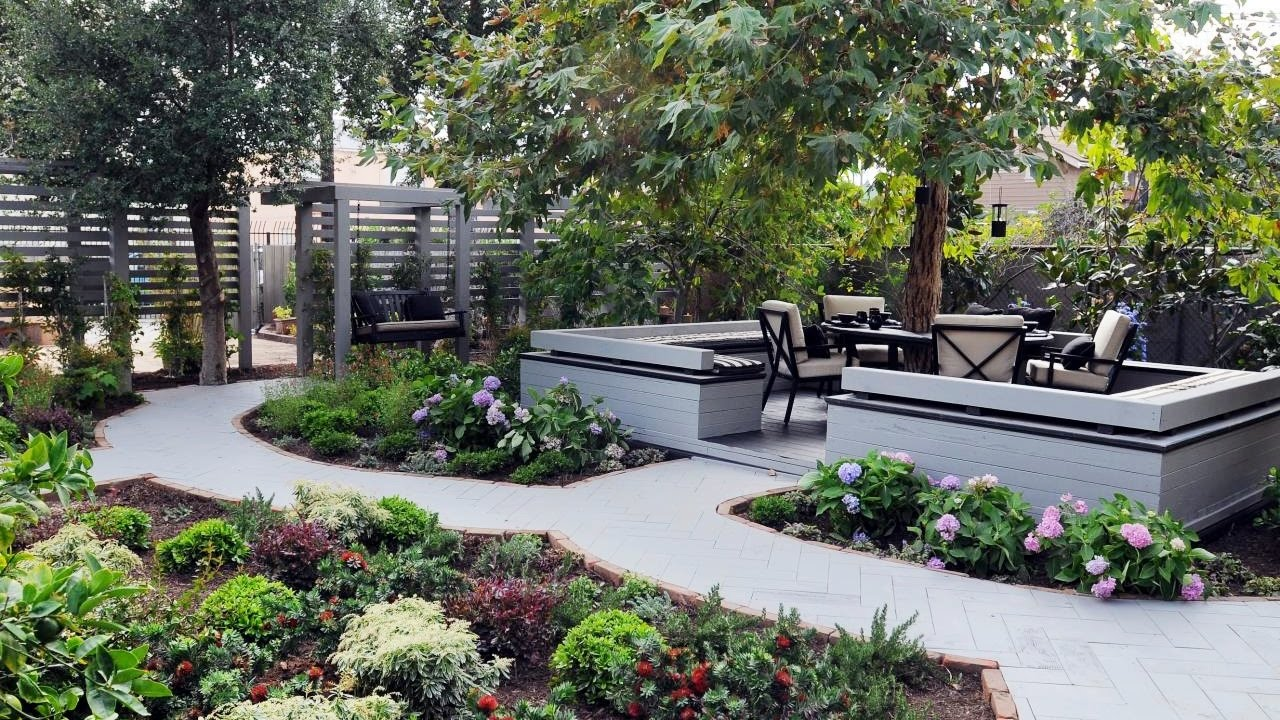 Small backyard landscaping  16