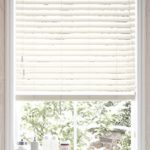 Use wooden venetian blinds for perfect style