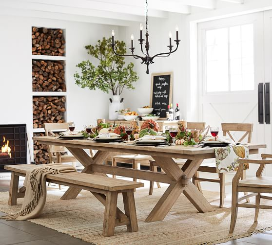 Dining room table: essential   and beautiful