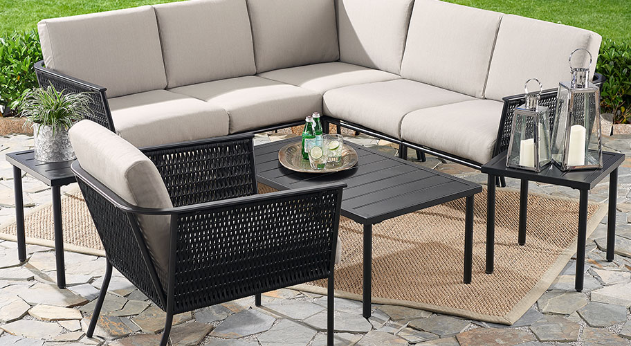 Qualities Of Outdoor Furniture Carehomedecor