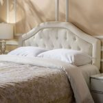 Shabby chic bedroom furniture:   beneficial and pristine
