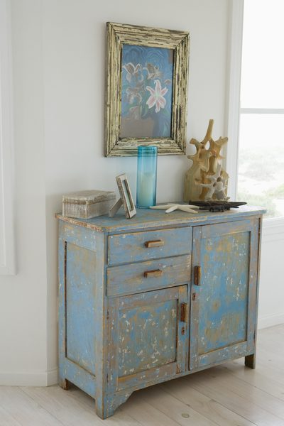 How to Make New Wood Furniture Look Shabby Chic | Home Guides | SF Gate