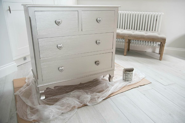 Shabby Chic Furniture Painting In 9 Simple Steps - Easy Guide