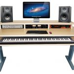 How to Choose the Best Studio   Desk